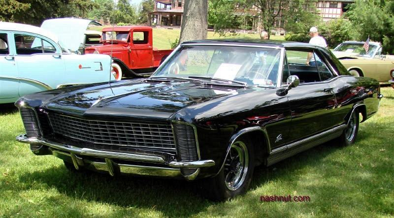 1965 Buick Riviera at car show