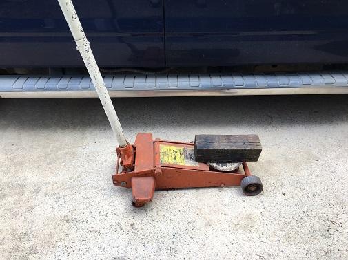 automotive floor jack