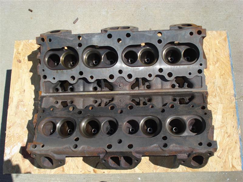 Pontiac GTO cylinder heads