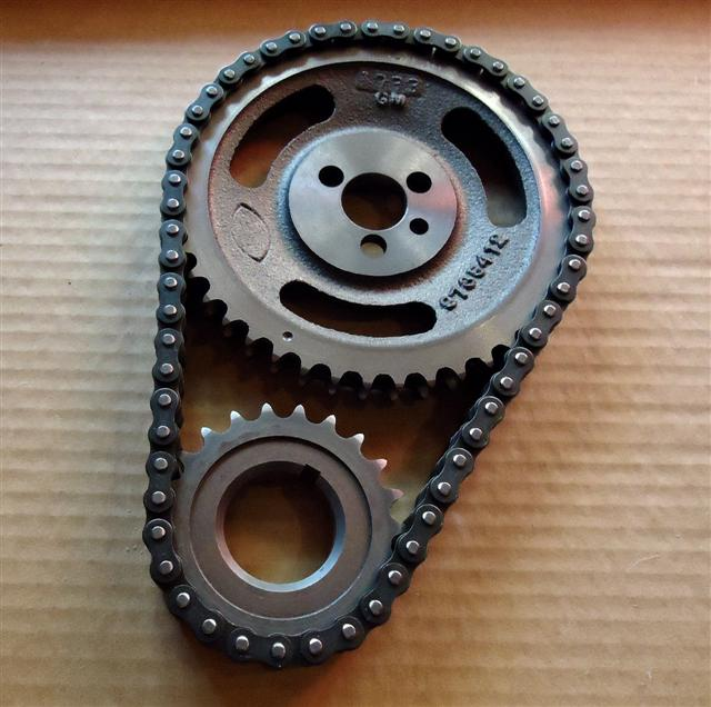small-block-chevy-timing-chain-and-gears.jpg